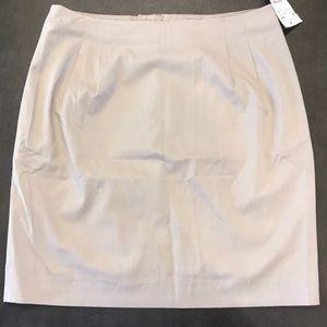 H & M Khaki career pencil skirt size 6 NWT